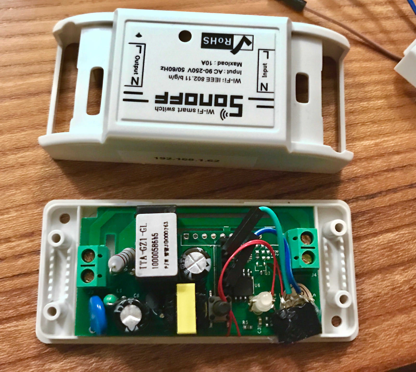 Sonoff Wifi Smart Switch With I2c Port Jackenhack Wiring Then I Just Soldered The 33 Volt Gnd Two Wires To Connector Everything You Need Connect A Module Using